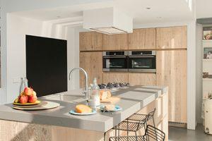 Geef je keuken een natuurgetrouwe uitstraling met hout